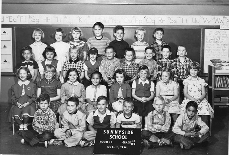 Second/third grade, Sunnyside School, 1954. Courtesy Mark Sultana.