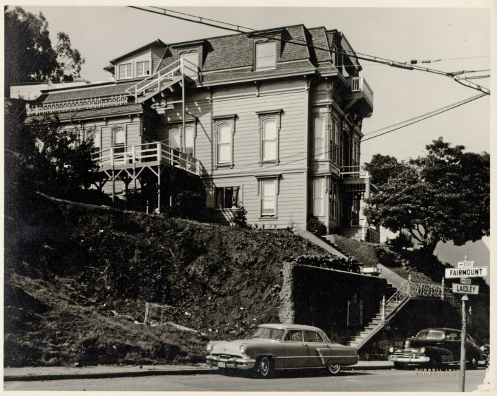 1957. The Poole-Bell house. Photo: Russell Leake. San Francisco History Center, San Francisoc Public Library.