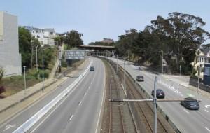 2021. Looking north from Roanoke/Cuvier footbridge toward Richland Bridge, Bernal Cut, San Francisco. Photo: Amy O'Hair SunnysideHistory.org