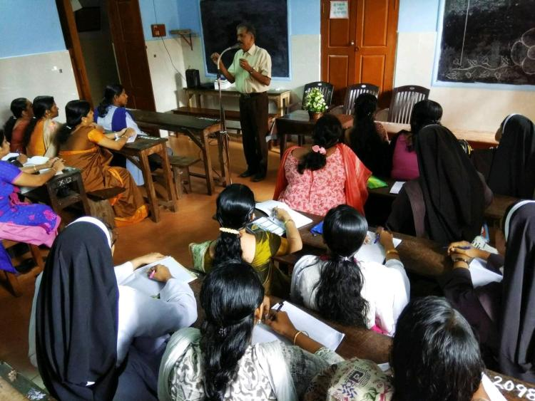 English Refresher course conducted for the teachers of Sacred Heart School, Thrissur http://www.sacredheart.edu.in/