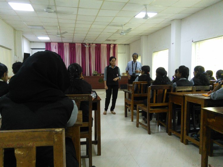 An English session to the MBA students of Calicut University at Dr. John Matthai Centre.