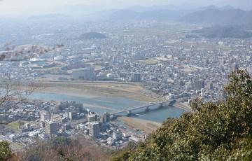 岐阜城から見る市街の風景