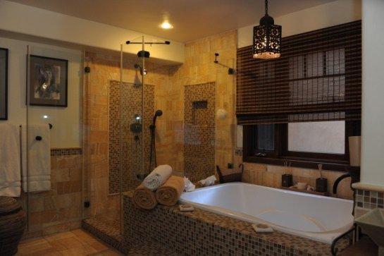 Gbathroom2-751x500