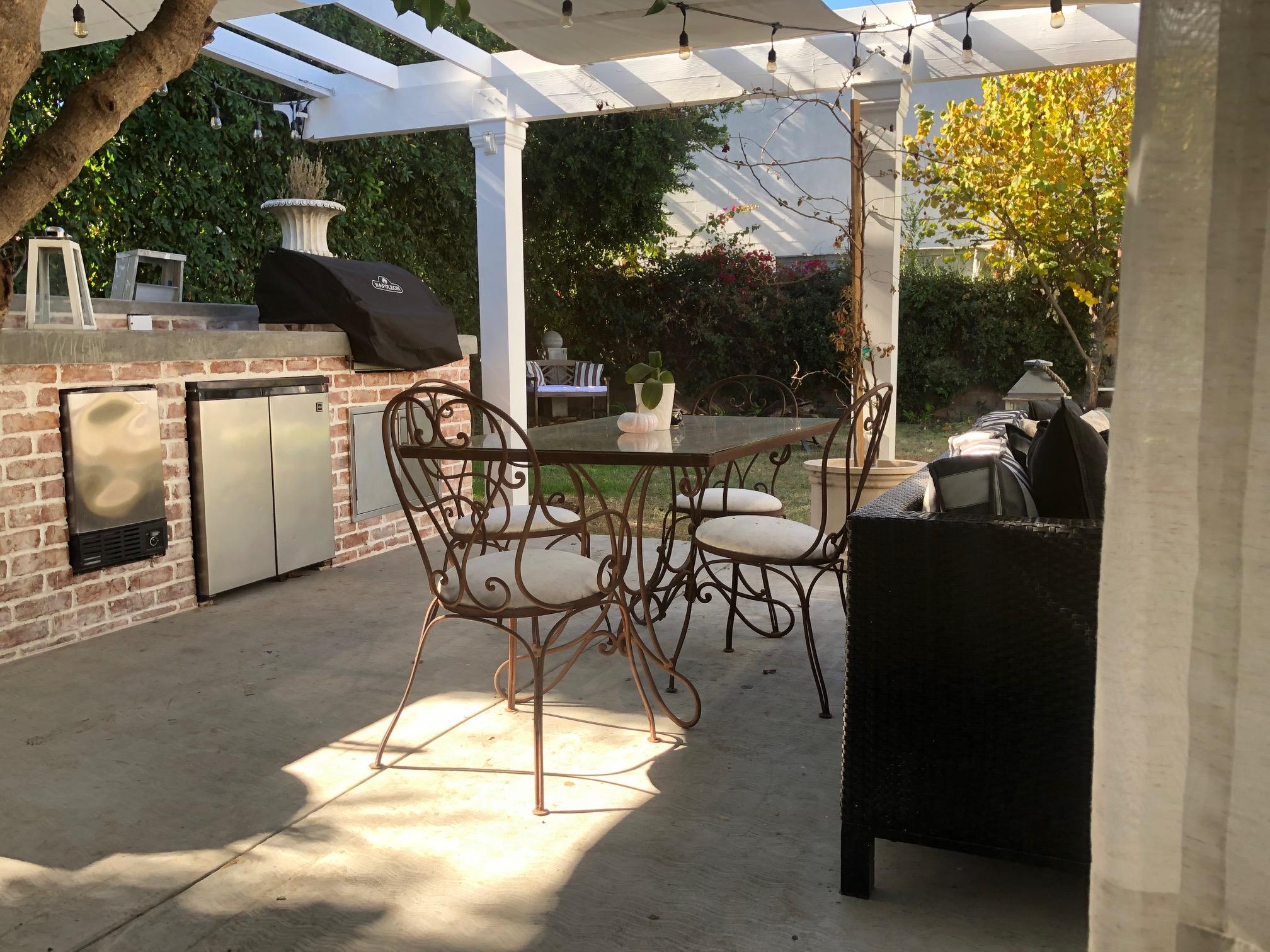 Agnes-patio-table_0591