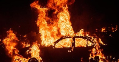 California wildfires: Fear as 180,000 flee homes