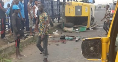 Many feared killed as Commercial Bus Tumbled in Lagos (PHOTOS)