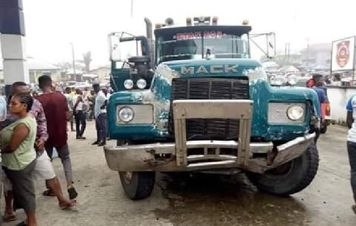 Truck rams into petrol station, killing 3 persons, injured others.