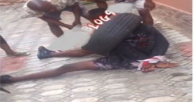Lady runs mad after reportedly sleeping overnight with a yahoo boy in Lagos (Video)