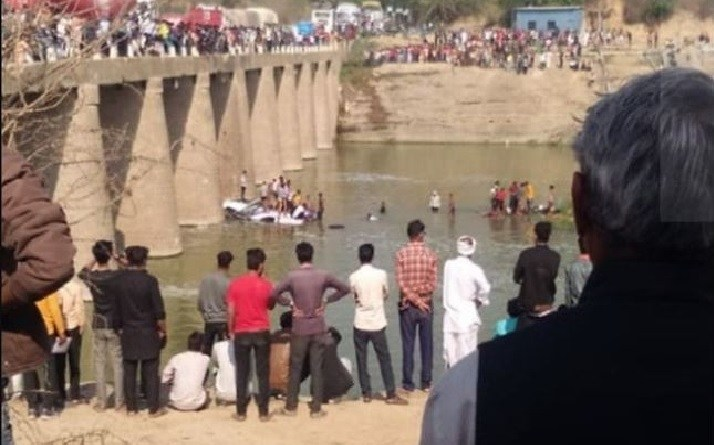 24 killed as bus conveying wedding guests falls off a bridge into river (Photo)