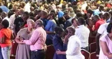 South African pastor urges worshippers to give 'holy kiss' to each other during service (photo)