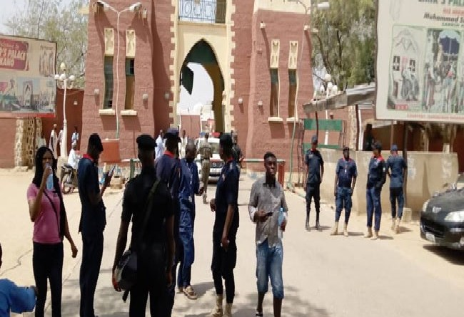 Security operatives take over Emir's Palace in Kano, as Sanusi is removed