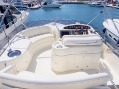 'MARIKI I' ;s flybridge is the perfect flybridge to relax on while at see