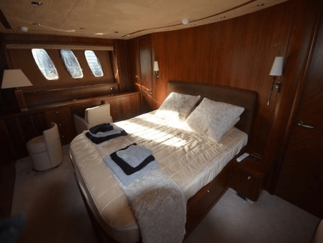8 guests are accommodated in 4 cabins onboard this Sunseeker Predator 82, plus 4 crew members