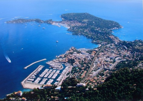 Beaulieu-sur-Mer in the South of France is a stunningly popular boating destination for Sunseeker clients