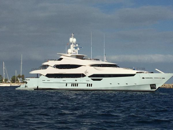 SPOTTED: the Sunseeker 155 Yacht 'BLUSH'!