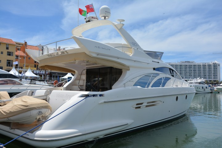 NEW LISTING: Sunseeker Portugal are delighted to announce a new Central Agency Listing Azimut 50, 'VISTA ARADE II'