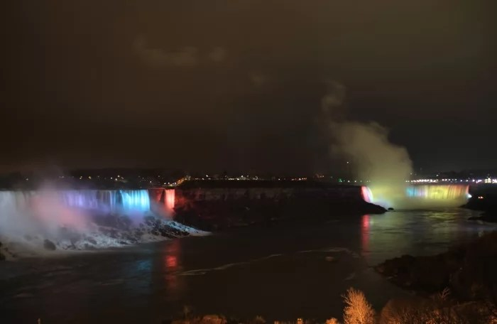 niag_falls_night