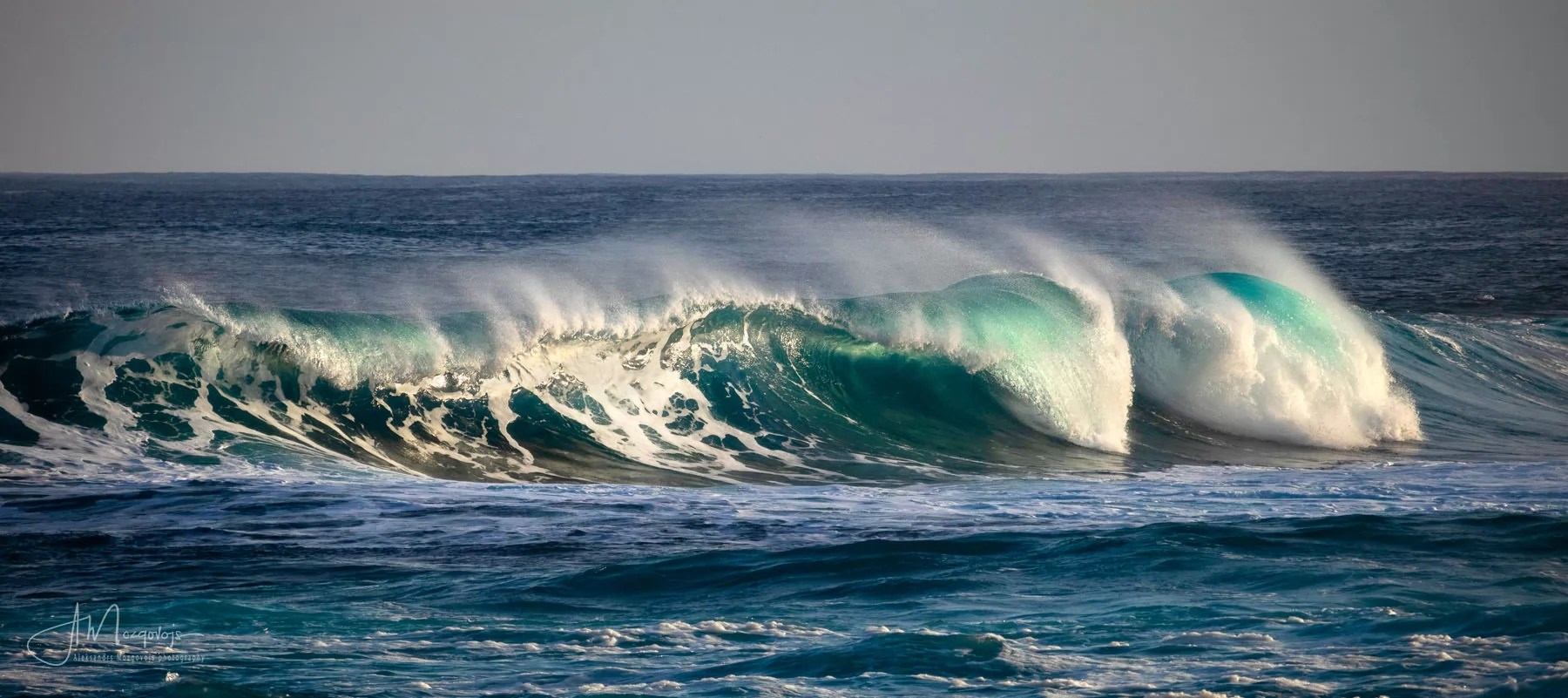 Morning waves on Punta del Hidalgo