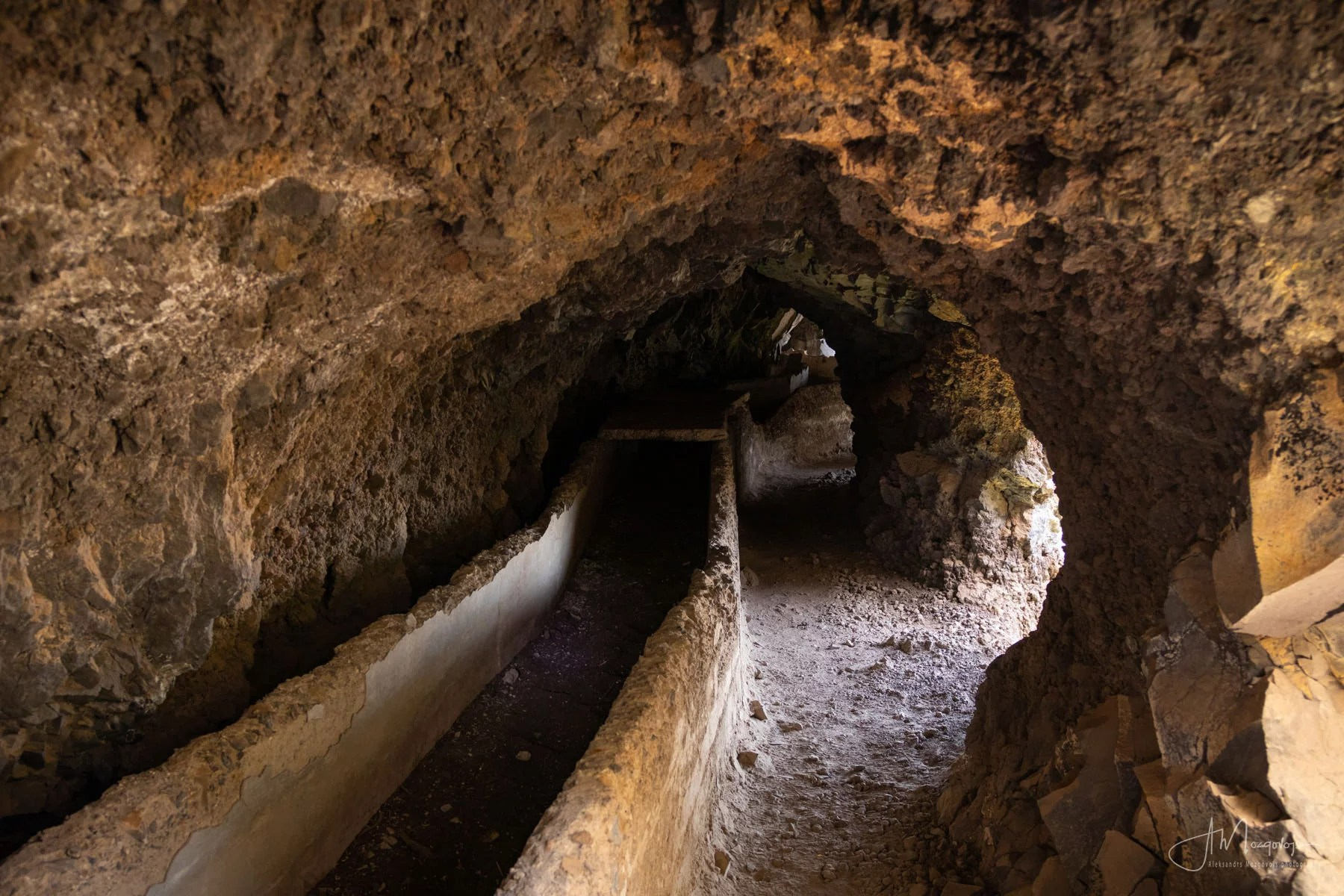 A tunnel at Ventanas de Güimar