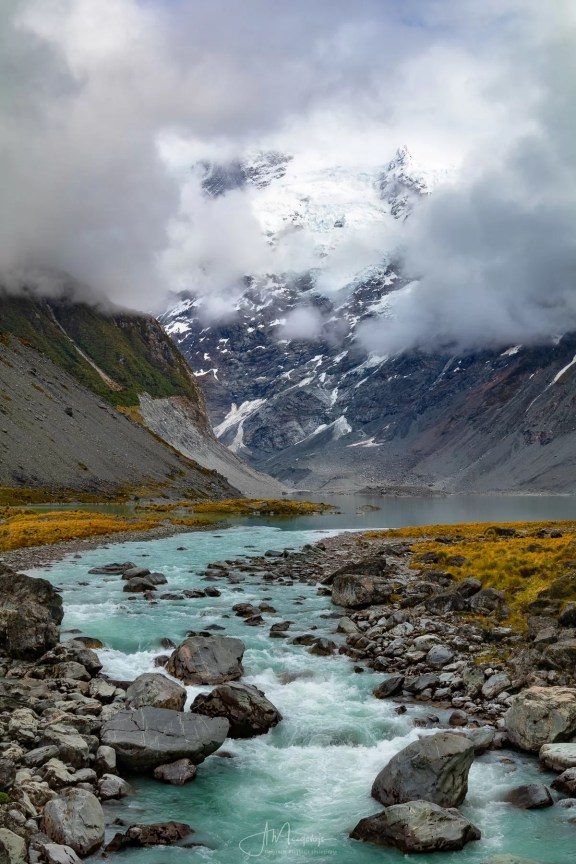 Mueller Lake as seen from the Hooker Valley Track