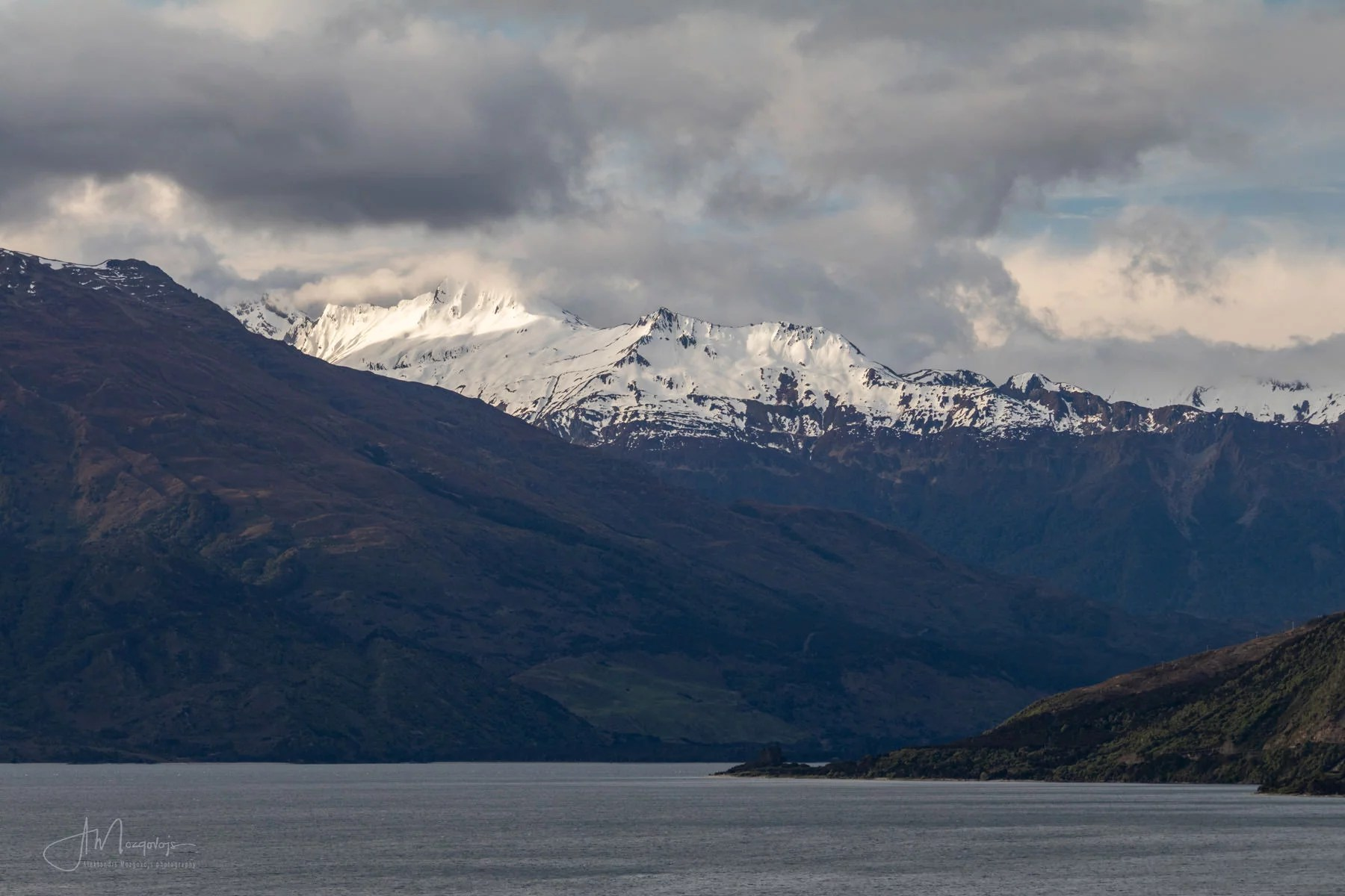 Snowy Mountains above lake Wanaka, New Zealand