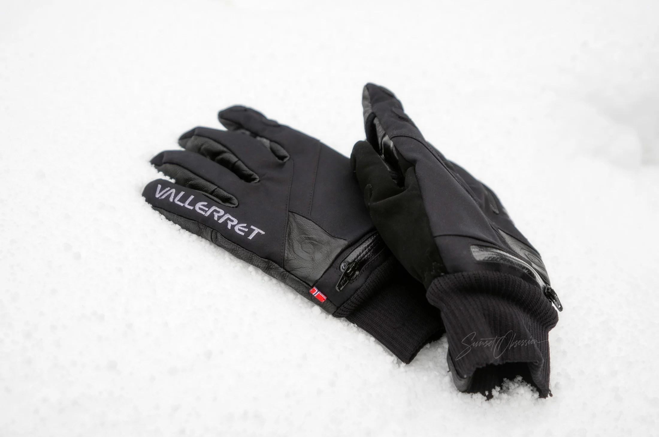 Перчатки для фотографов Vallerret Ipsoot в снегу