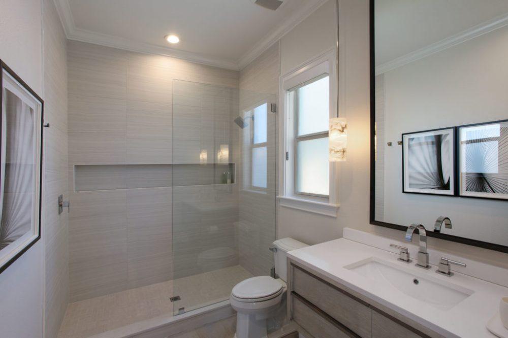 Davis Islands South Tampa Waterfront Guest Bath