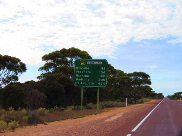 Eyre Highway Australia Road Trip - Things to see on Perth to Melbourne road trip.
