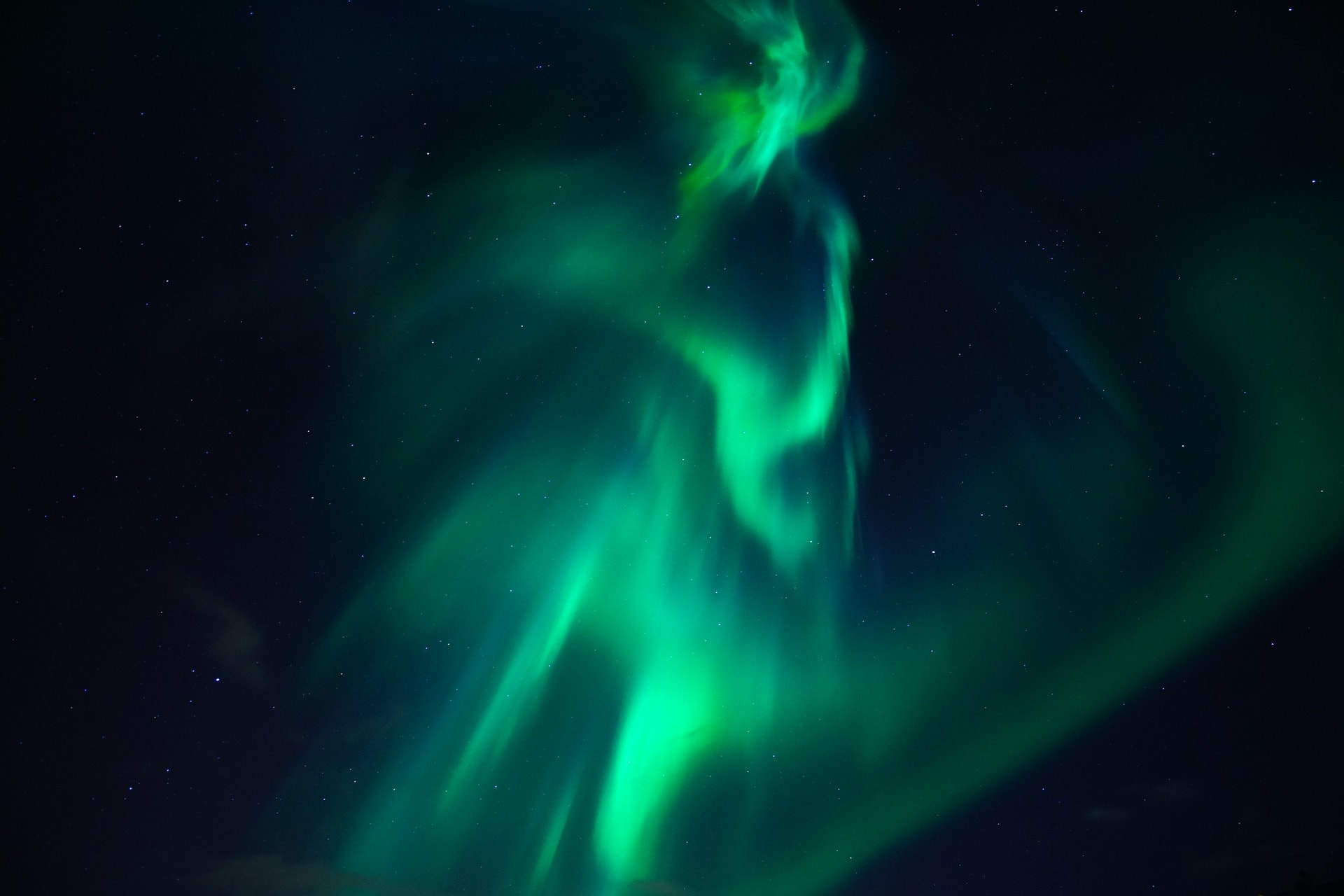 What Are The Main Colours Of Northern Lights In Yellowknife?