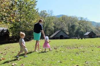 pigeon forge family pictures | sunshineandholly.com