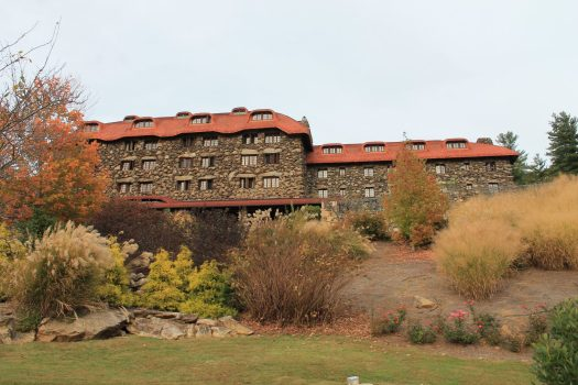 5 Reasons to Stay at the Grove Park Inn in Asheville | sunshineandholly.com | best places to stay | romantic hotels | anniversary trip | north Carolina