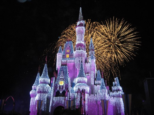 5 Ways to Make a Disney World Trip More Romantic | sunshineandholly.com