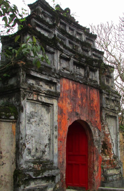 Hue_Forbidden Purple City_Rustic Entrance