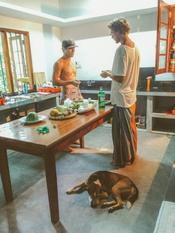 Sri Lanka-Hikkaduwa-Midigama-Aragum Bay-Sunshinestories-surf-travel-blog-IMG_8140