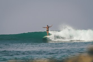 Sunshinestories-Sri-Lanka-Medawatta-Medawata-Meda-Watta-Mada-surf-Lonboard-Surfing-Wave-Surf-School-Camp-Yoga-Studio-IMG_3512