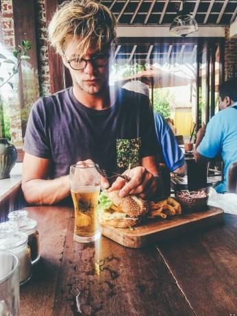 Sunshinestories-Travel-Blog-Bali-Guide-Seminyak-Eating-Staying-Hotel-Restaurant-Bar-Surfing-Uluwatu-Food-Coffe-Café-Kuta-photo 2