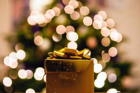 gift present macro bokeh