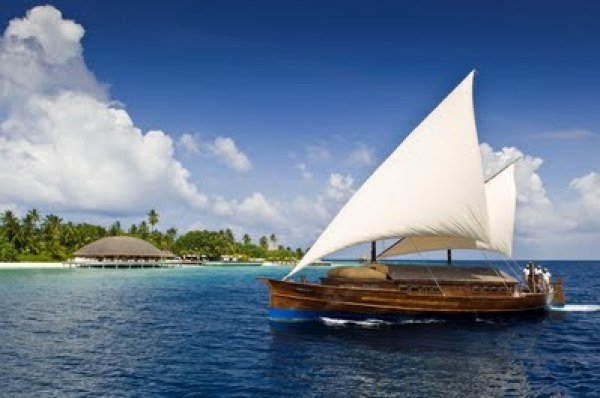 LUXURY HOTELS AND RESORTS IN THE MALDIVES traditional dhoni