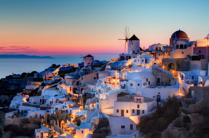WHERE TO GO IN EUROPE IN LATE SUMMER SEPTEMBER SANTORINI SUNSET