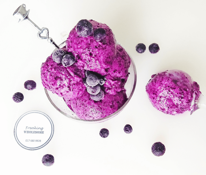 the perfect summer treat : Blueberry Lemon (n)ice cream recipe
