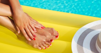 how to protect your nails in summer