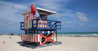 North American Cities to Visit During The Summer - American lifeguard house