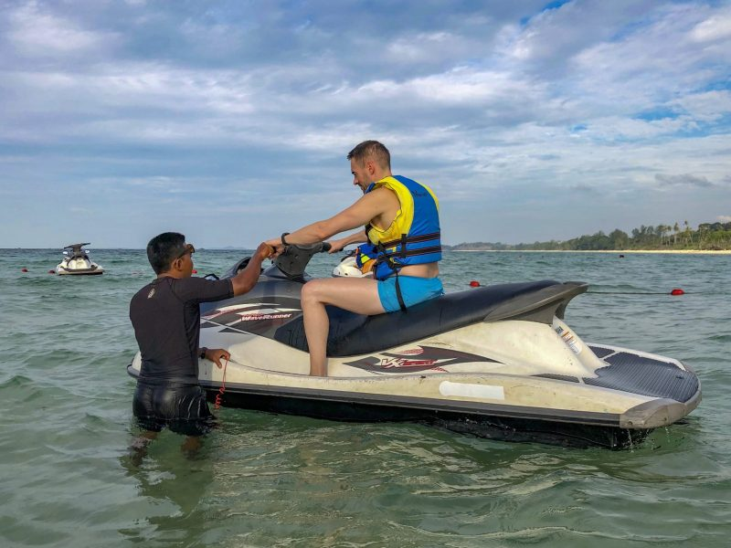 jetski lesson in the sea with instructor