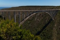 Bloukrans bridge from the side