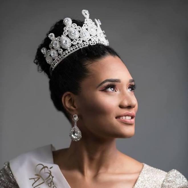 """misse-algerie-2019-5 Critiquée, Miss Algérie jugée """"trop noire"""", enflamme les réseaux sociaux… (Photos)"""