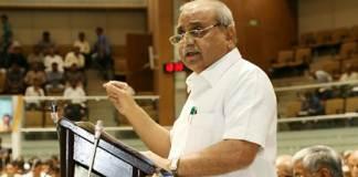 Dy CM Nitin Patel presents budget in Gujarat assembly