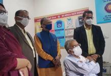 ભાજપના રાજ્યસભા ના સાંસદ નરહરિ અમીને રસીકરણ નો પ્રારંભ કરાવ્યો