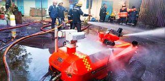 અધિકારીઓ તેમજ ફાયર ફાયટર, વોટર ટેન્કર, વોટર બાઉઝર, રોબોટ મળી 30 જેટલા વાહનોની મદદથી પાંચ કલાક ની ભારે જહેમત સાથે આગને કાબુમાં લેવામાં આવેલ છે