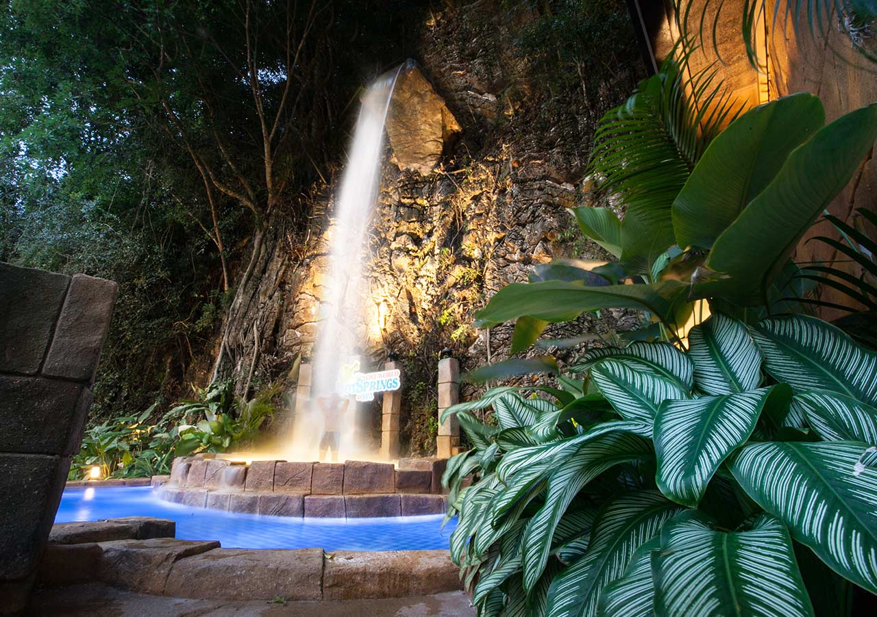 Crystal Falls - Lost World Hot Springs & Spa By Night