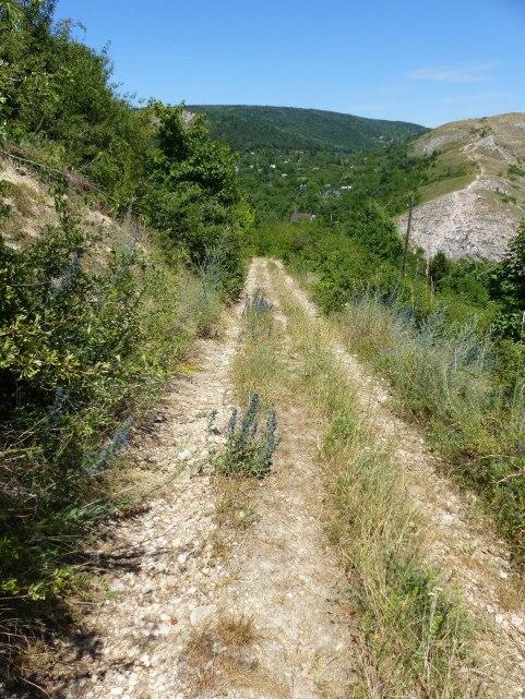 a Farkas-hegy és az Odvas-hegy az Út-hegyről